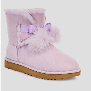 UGG Gita Lavender Fog Boots Size 8